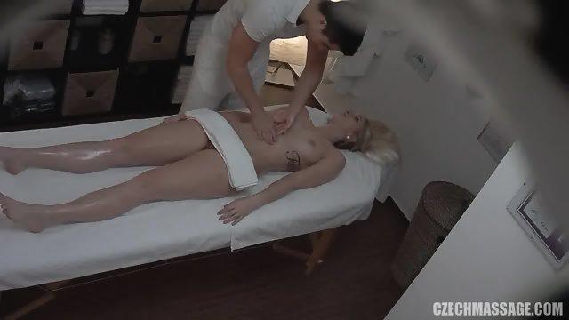 Pretty Amateur Needs Massage