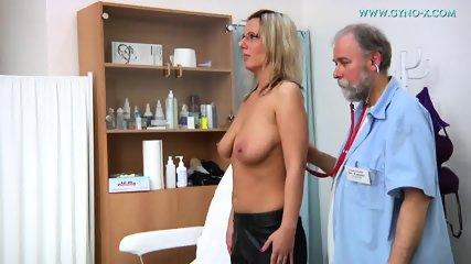 Masturbation During Gyno Exam - scene 1