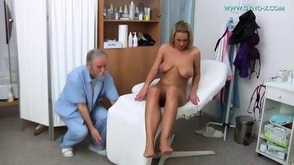 Masturbation During Gyno Exam - scene 3