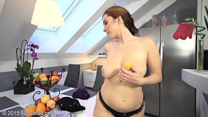Sexy Young Mom Plays With Vagoo - scene 6