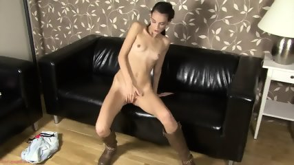 Hot Babe With Long Boots In Solo Action - scene 6