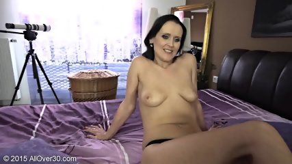 Naughty Mommy Shows Tits And Cunt - scene 8