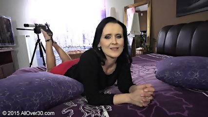 Naughty Mommy Shows Tits And Cunt - scene 3
