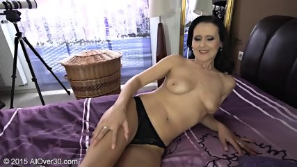 Naughty Mommy Shows Tits And Cunt - scene 7