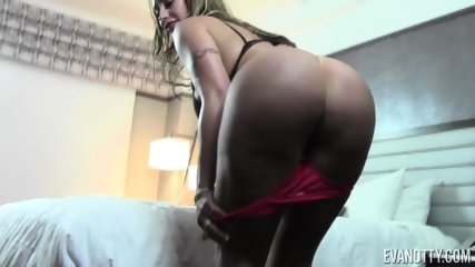 Mommy Plays With Lingerie - scene 5