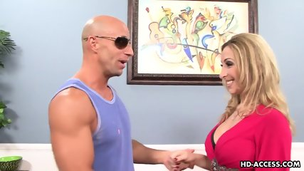 Blonde Housewife Is Ready For Hardcore Sex - scene 3