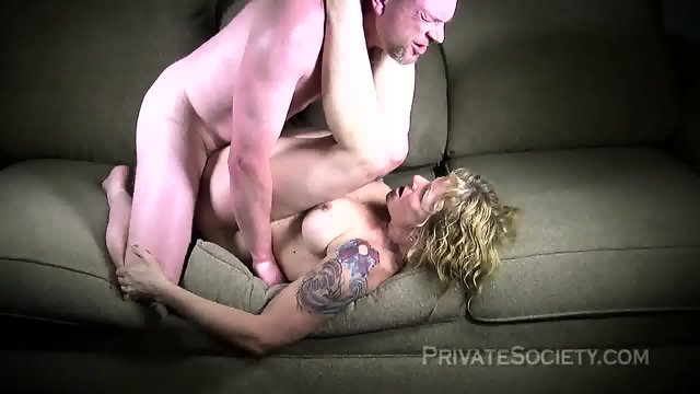 Strange Mature Blonde Fucked On Sofa