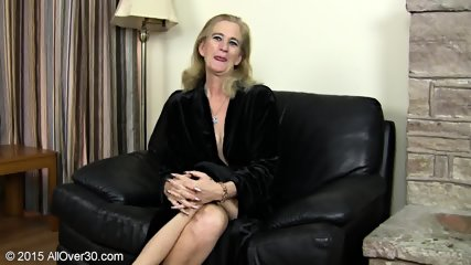 Granny Plays With Pussy - scene 1