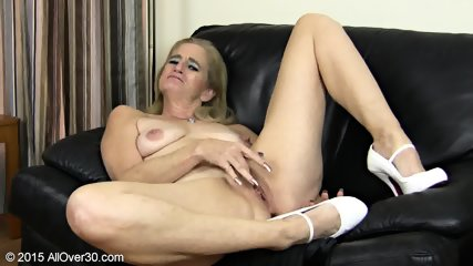 Granny Plays With Pussy - scene 6