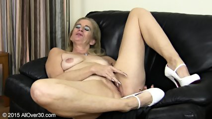Granny Plays With Pussy - scene 7