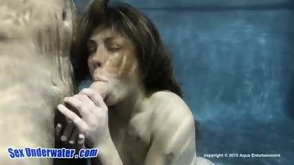 Charming Babe Gives Head Underwater - scene 5
