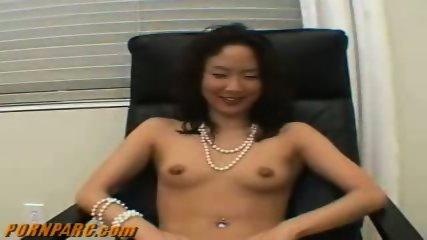 Japanese Does Blowjob - scene 1