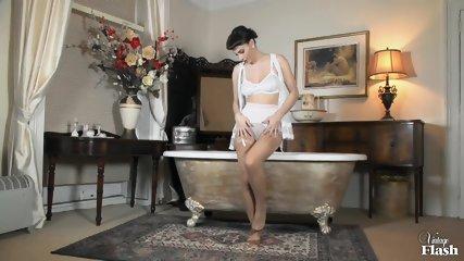 Roxy Mendez Wanton And Wet In Nylon - scene 4