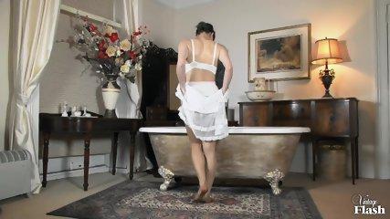 Roxy Mendez Wanton And Wet In Nylon - scene 5