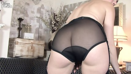 Elegant Lady Shows Cunt On Sofa - scene 7