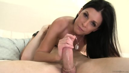 Young Mom Gives Nice Blowjob