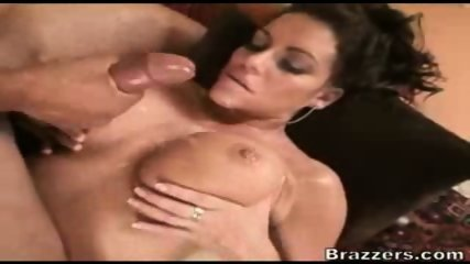 Busty MILF takes the cum in her boobs - scene 9