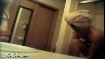 Sister filmed unaware of hidden cam - scene 5