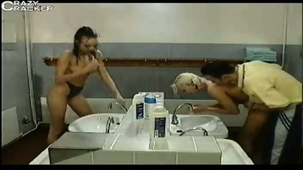 2 Couples in the Bathroom - scene 1