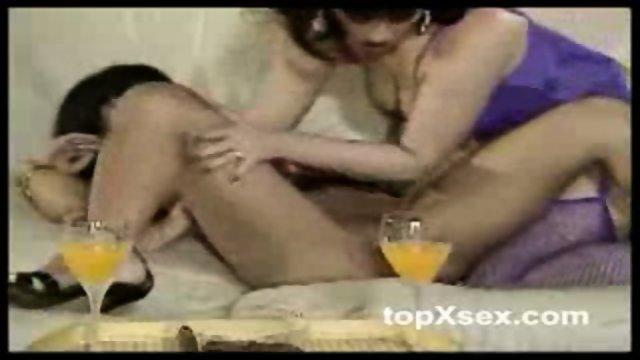 Hot lesbians fingering pussy