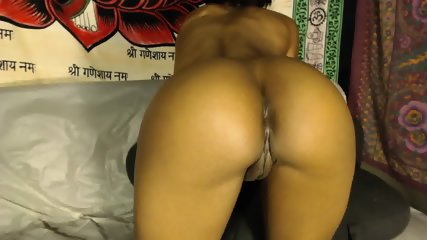 Ebony Spreading Her Ass Cheeks - scene 2