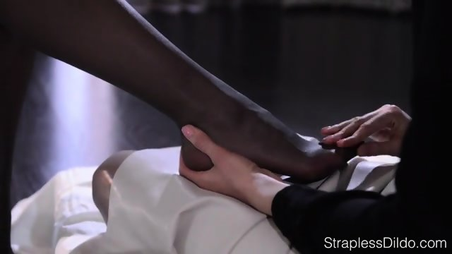 Pantyhose Foot Massage And Tribbing Until Orgasm
