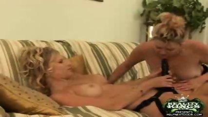 DP Lesbian style - scene 12