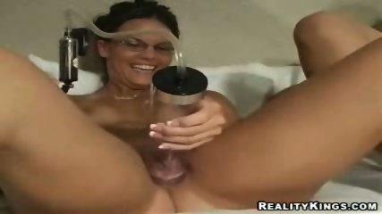 3 girls see who can pump there minge up the most - scene 9