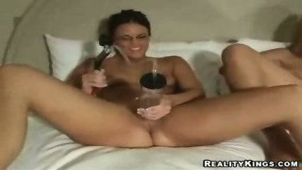 3 girls see who can pump there minge up the most - scene 5