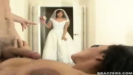 Bride Busts Mom and Groom - scene 10