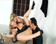 Threesome Sex At Police Station