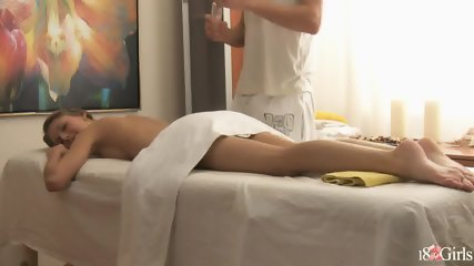 Pretty Girl Gets Pussy Massage - scene 2