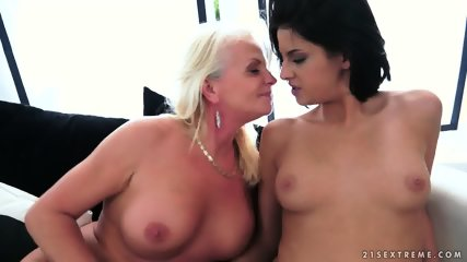 Pussy Licking And Toying - scene 9
