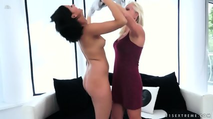 Pussy Licking And Toying - scene 1