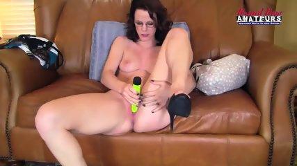 Amateur Mom Takes Cock - scene 5