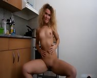 Horny Lady Plays With Cunt