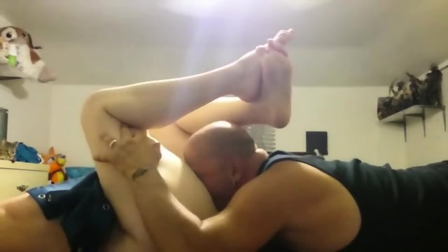 Big Stud Eating His Wifes Succulent Twat Until She Climax