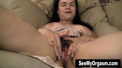 Busty Milf Lucia Masturbating