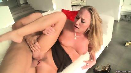 Horny Blonde Girl With Cum In Cunt - scene 6
