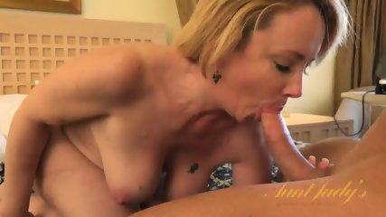 Blonde Mom Ready For Sex - scene 3