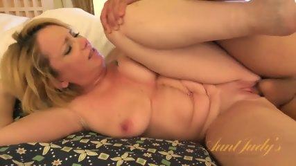 Blonde Mom Ready For Sex - scene 6