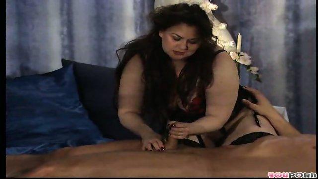 Horny fat chick frolics 1/3