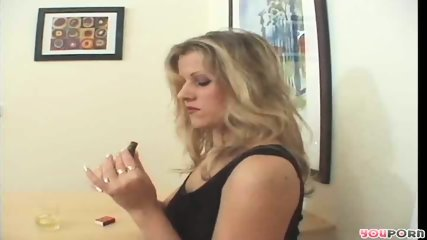 Smoking hot MILF 1/5 - scene 3