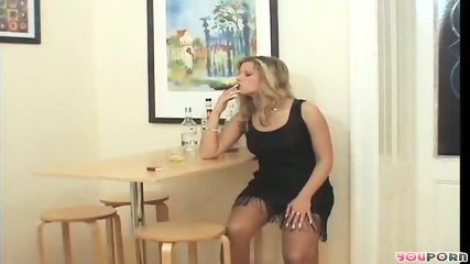 Smoking hot MILF 1/5 - scene 5
