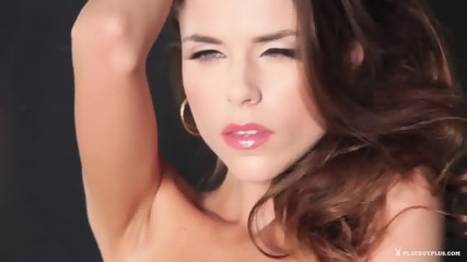 Sexy Musician Girl Shows Body - scene 5