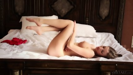 Awesome Girl Shows Body On Bed