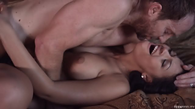 Natural Babe Fucked And Creampied