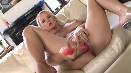 Anal Adventures Of Lusty Babe - scene 3
