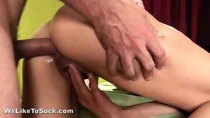 Sexy Cock Sucker Fucked In Anus