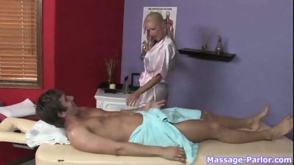 Discreet Service in Massage parlor